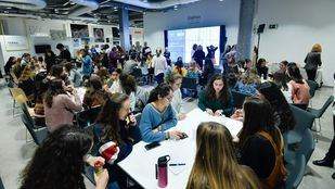 Romper estereotipos: 80 niñas charlan con mujeres referentes en tecnología