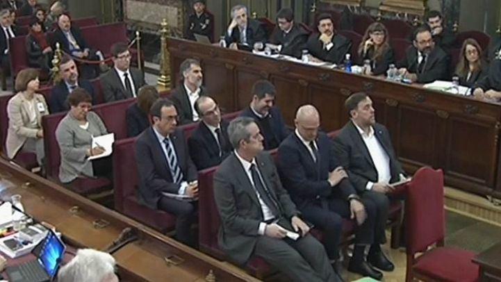 Los acusados, en el comienzo del juicio por el proceso independentista catalán.