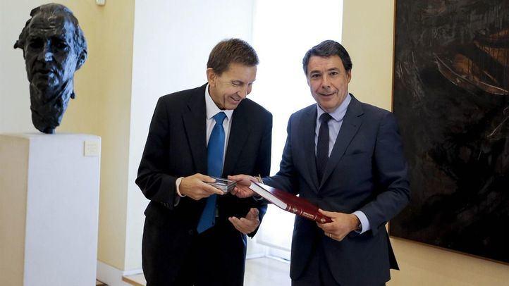 El exfiscal jefe Manuel Moix y el expresidente madrileño Ignacio González en una foto de archivo