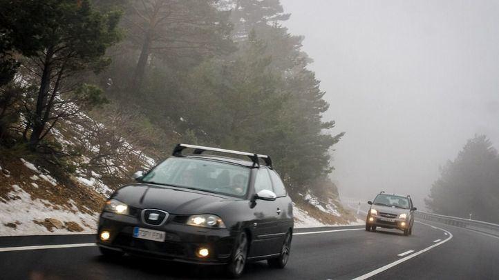 Los conductores detenidos circulaban a gran velocidad en un día de niebla, sin respetar las distancias de seguridad y realizando bruscas frenadas.