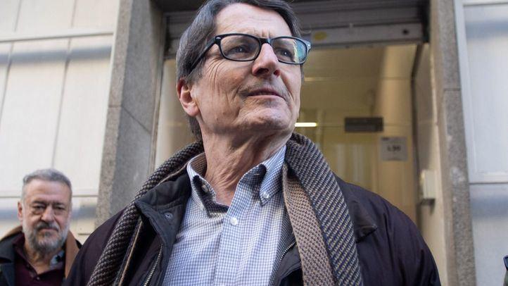 Manuel de la Rocha presenta la documentación para presentarse como candidato a las primarias del Ayuntamiento de Madrid en el PSOE.