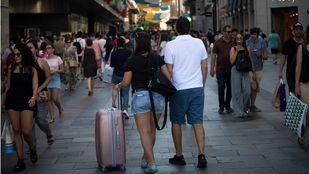 La Comunidad aprobará el texto regulador de los pisos turísticos en marzo