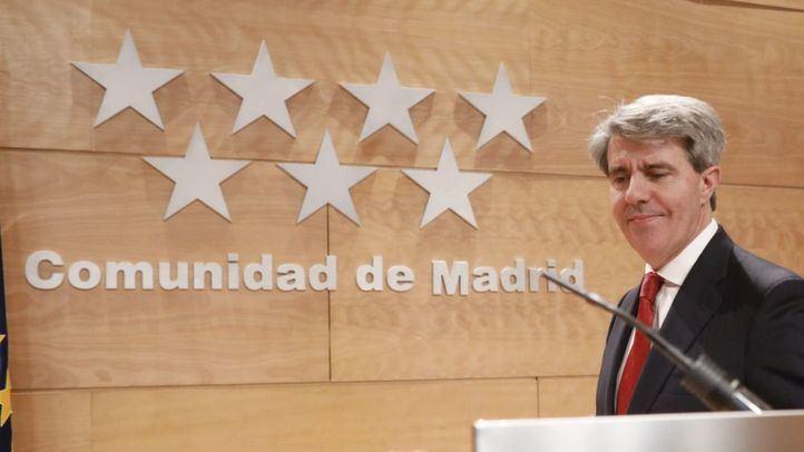 El presidente de la Comunidad, Ángel Garrido, y su número dos, Pedro Rollán, en la rueda de prensa posterior al Consejo de Gobierno.  (Archivo)