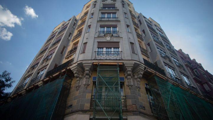 Nuevo ultimátum para rehabiltiar el edificio de Chamberí apuntalado desde hace dos años