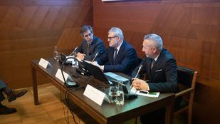 El curso se ha presentado en la Sala de Conferencias del edificio de los Jerónimos del Museo del Prado por el director del museo, Miguel Falomir, y el director de marca de Telefónica, Rafael Fernández de Alarcón.