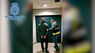 El empleado ha sido detenido por la Policía Nacional y despedido de la empresa.