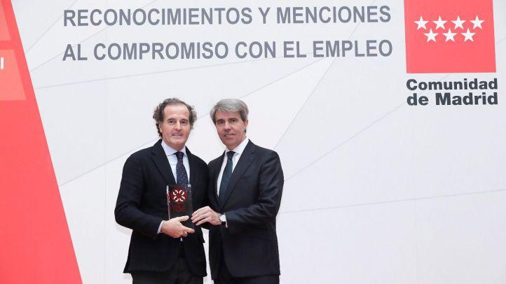 La Comunidad premia 'Escuela Mutua', la iniciativa para formar y emplear a víctimas de violencia de género de Mutua Madrileña