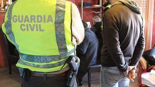 Golpe de la Guardia Civil a las falsificaciones en Fuenlabrada