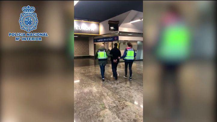 Detenido por agredir a su pareja en Metro en San Valentín