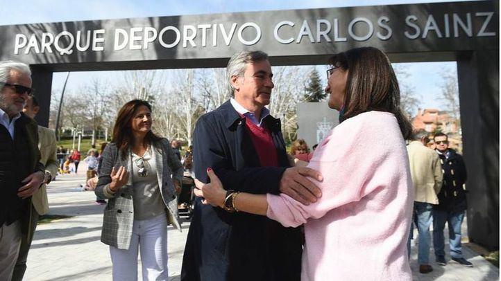 Susana Pérez Quislant junto a Carlos Sainz.