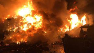 Incendio en una chatarrería de San Fernando de Henares