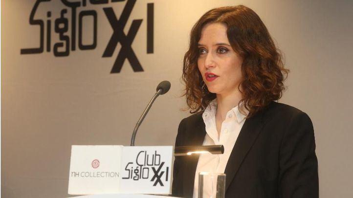 La candidata del PP a la Comunidad de Madrid, en el desayuno informativo del Club Siglo XXI.