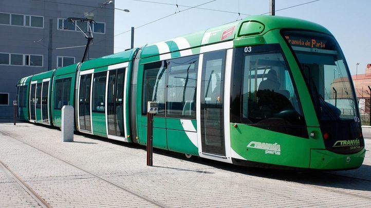 Está judicializado un presunto sobrecoste del tranvía por valor de 42 millones de euros, cifra en la que fue incrementado el presupuesto de su construcción.