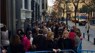 Cientos de peregrinos acuden al besapiés al Cristo de Medinaceli