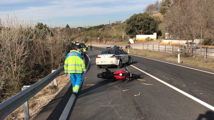 Fallece un motorista al salirse de una curva en Brunete
