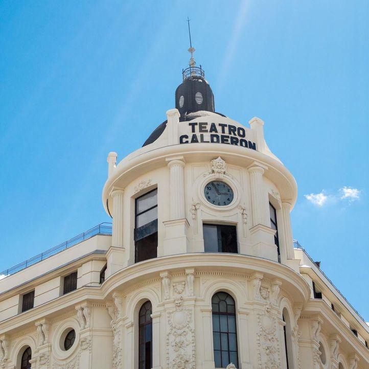 El tremendo susto de Manolo Escobar en el Teatro Calderón