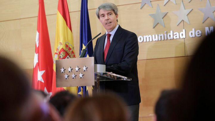 Garrido se despide del Gobierno instando al PP a mantenerse en el centro