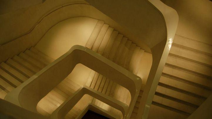 Fallece al caerse por el hueco de la escalera del CaixaForum