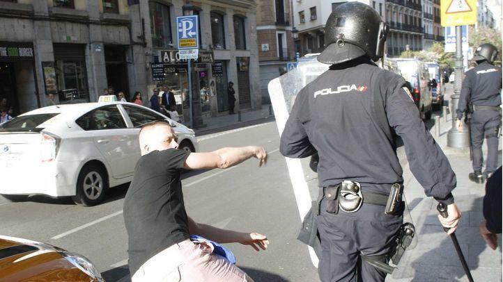 La Policía Nacional interviene en un altercado violento protagonizado por un hincha. Foto de archivo.