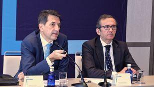 Juan Carlos Hidalgo, director de la Territorial Centro de BBVA y Rafael Doménech, el responsable  de Análisis Económico de BBVA Research