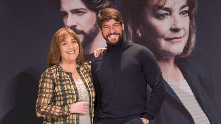 Carmen Maura protagoniza 'La Golondrina' en el Teatro Infanta Isabel junto a Félix Gómez.