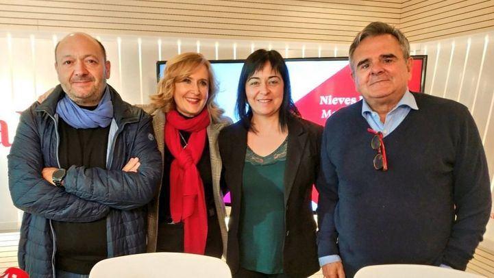 La alcaldesa de San Martín de Valdeiglesias, María Luz Lastras y el alcalde de Majadahonda, Narciso de Foxá, en Com.Permiso