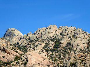 Herido grave un escalador tras caer de cinco metros de altura en La Pedriza