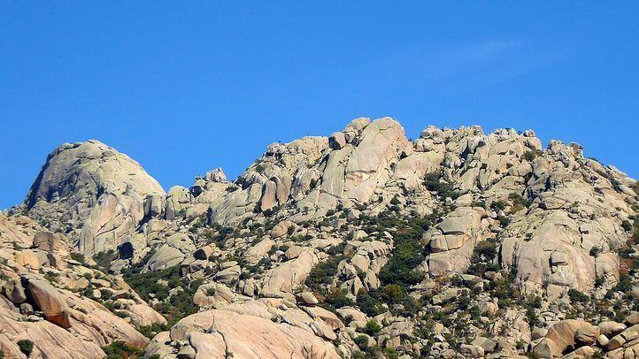 El escalador accidentado en la Pedriza de Manzanares el Real se encuentra ingresado en el Doce de Octubre con pronóstico grave.