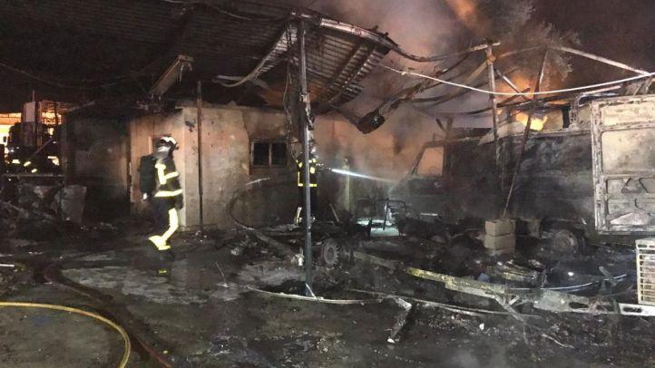 Un incendio en Navalcarnero deja 14 personas intoxicadas