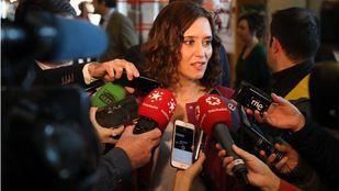 La candidata del PP a las elecciones del 26-M, Isabel Díaz Ayuso, atiende a los medios en la Asamblea de Madrid. (Archivo)