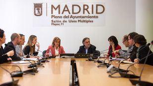 El candidato del PSOE a la Alcaldía de Madrid, Pepu Hernández, se ha reunido con los concejales del grupo municipal socialista en el Consistorio.