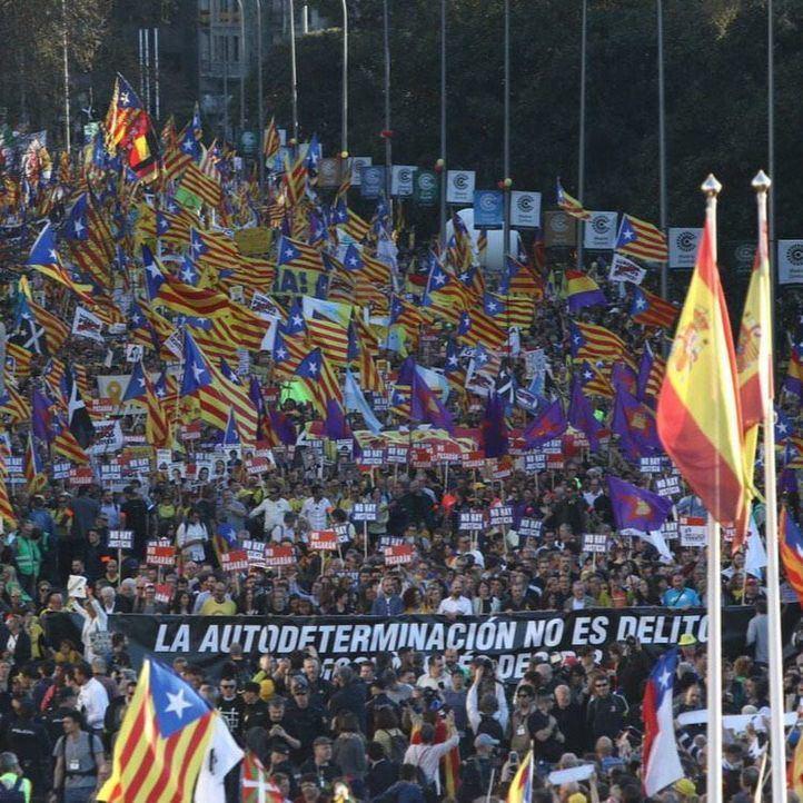 Críticas a Carmena, Errejón y Sánchez por la manifestación independentista