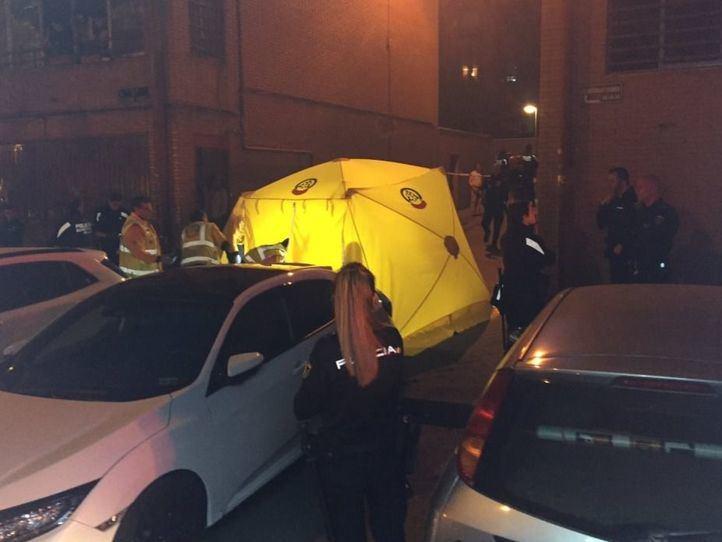 Los servicios de emergencias y la Policía Nacional, en el lugar del suceso
