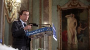 Almeida reivindica a Aguirre y promete bonificaciones fiscales
