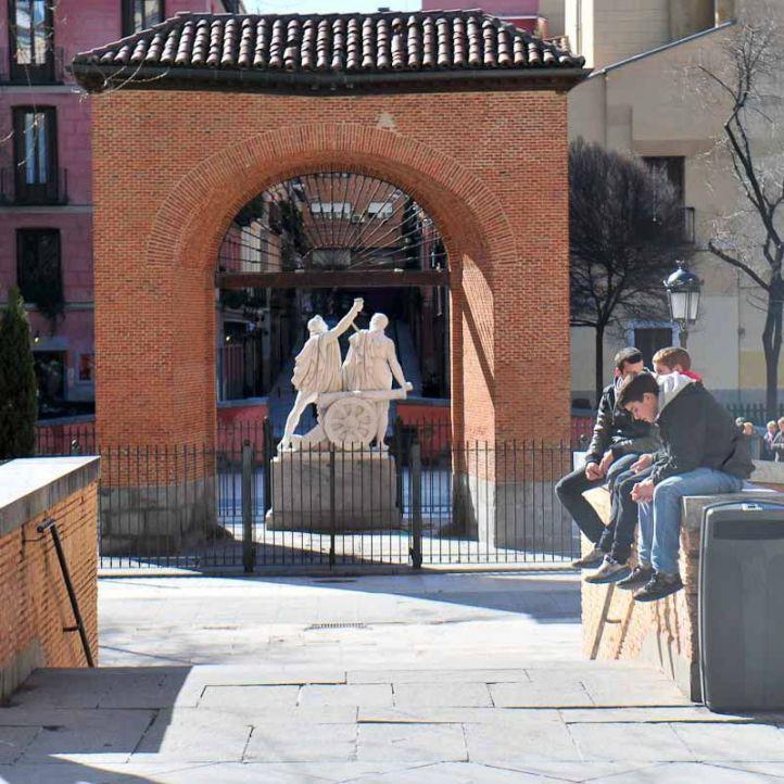 Plaza del Dos de Mayo en el barrio de Malasaña.