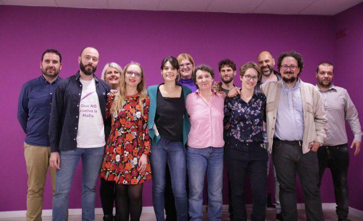 Isabel Serra recibe el respaldo del 80 por ciento de los votantes en las primarias de Podemos.