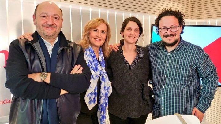 Pilar Sánchez Acera, diputada del PSOE en la Asamblea de Madrid, y Jacinto Morano, diputado de Podemos en la Asamblea de Madrid, en la tertulia política Com.Permiso