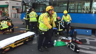 Un autobús de la EMT ha arrollado a una chica entre las calles Príncipe de Vergara y María de Molina.