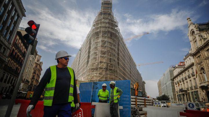 La construcción de edificios supone el 9,2 por ciento del total de inversiones extranjeras en la Comunidad de Madrid. (Archivo)