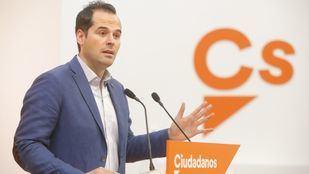 Aguado promete no gobernar con el PSOE de Gabilondo