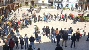 Concentración vecinal en Ciempozuelos en repulsa a la agresión sexual.
