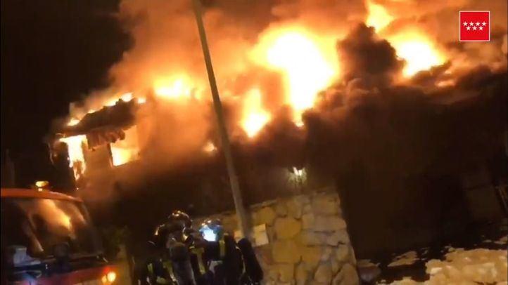Incendio en Becerril de la Sierra.
