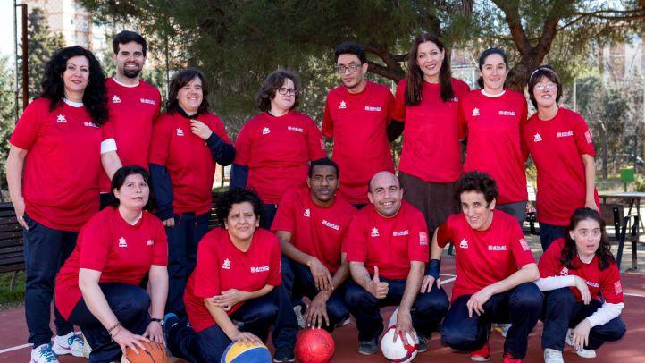 Los deportistas madrileños de los AMAS, subcampeones en Fútbol 7 y baloncesto