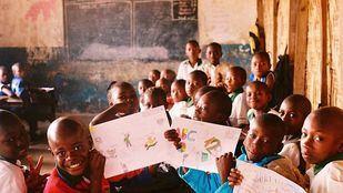 La Asociación Viva Makeni tiene como fines la mejora de la dignidad, educación, salud y calidad de vida de los habitantes de la ciudad de Sierra Leona.
