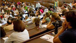 La Comunidad convoca un total de 6.975 plazas de oferta de empleo público, la mayoría, para docentes. (Archivo)