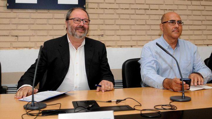 Andrés Serrano (dcha) junto al delegado del Área de Seguridad, Salud y Emergencias del Ayuntamiento, Javier Barbero.