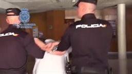 El detenido se ha entregado tras la presión policial.
