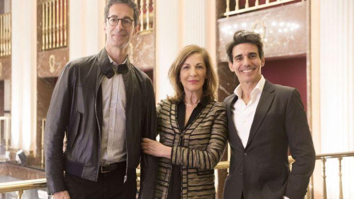 José Carlos Martínez, director saliente, Amaya de Miguel y Joaquín de Luz en La Zarzuela