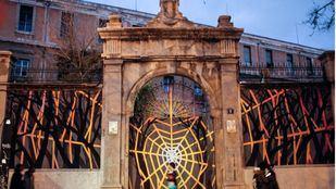 Antigua puerta principal de Tabacalera en la glorieta de Embajadores.