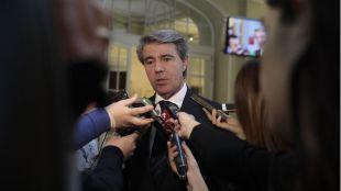Garrido dimitirá antes del 17 de abril para irse,